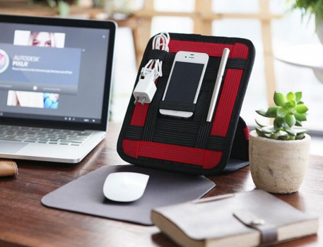 Gadget organizer with mousepad